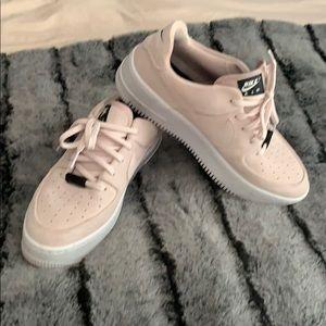 Nike Air Force 1 in Pink Suede